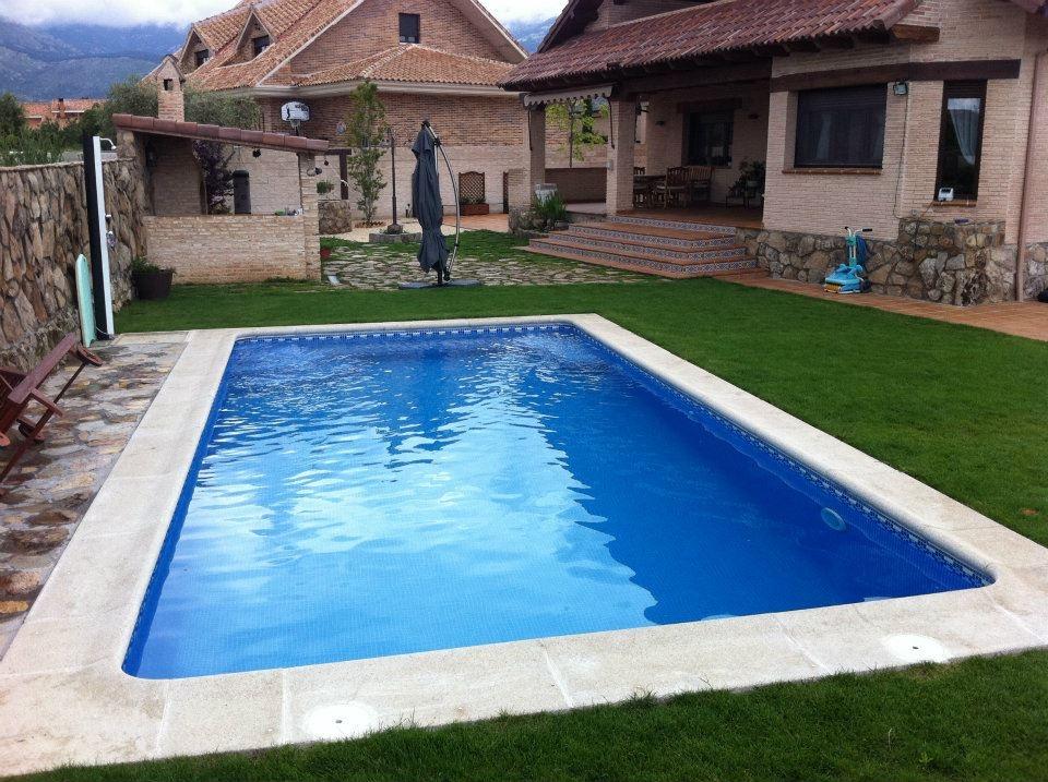 Piscinas urbano piscinas de obra de hormig n proyectado for Presupuesto de piscinas de hormigon